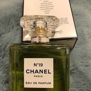 N 19 CHANEL 3.4 Fl.Oz.